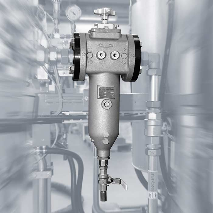 Compact high-pressure metering machine for standard applications